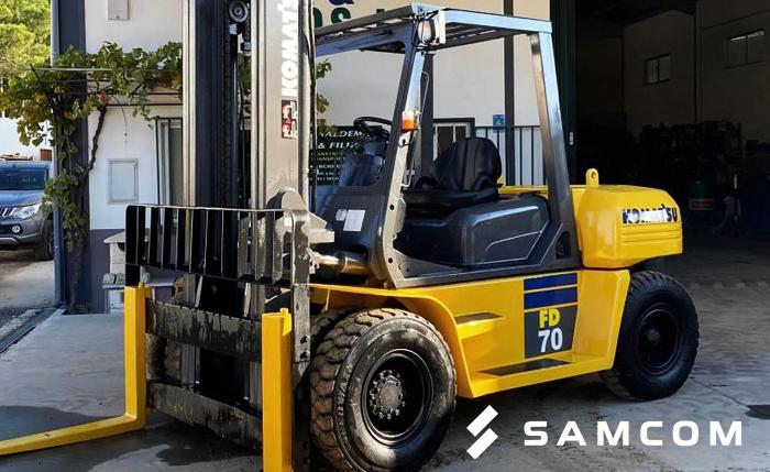 ГК SAMCOM перевезла 2 погрузчика из Москвы на Дальний Восток