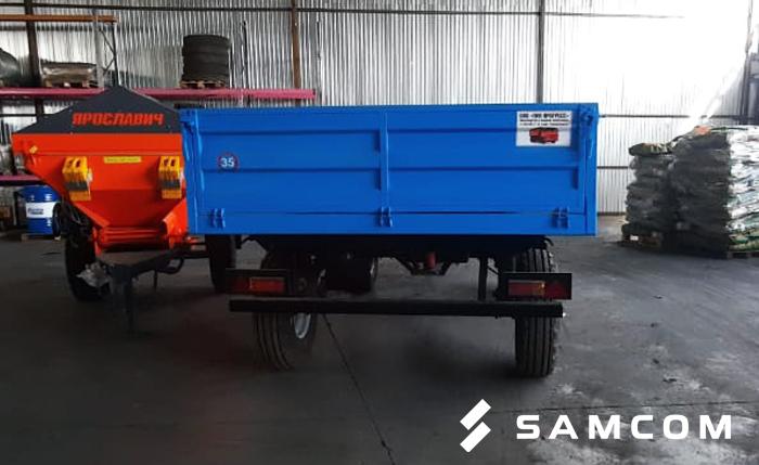 ГК SAMCOM доставила двухосный тракторный прицеп в Хромтау