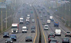 Изменились правила получения пропусков для въезда грузового транспорта на МКАД