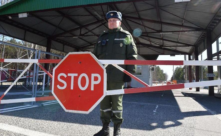 В некоторых регионах РФ и РК вводят режим самоизоляции